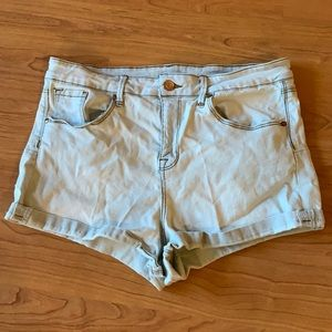 No Boundaries High Rise Shorts